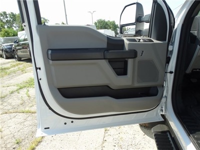 2019 F-550 Regular Cab DRW 4x4,  Cab Chassis #56205 - photo 9