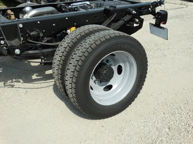 2019 F-450 Regular Cab DRW 4x2,  Cab Chassis #56207 - photo 8