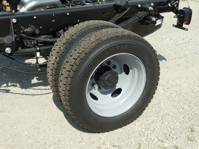 2018 F-550 Regular Cab DRW 4x2,  Cab Chassis #56227 - photo 8