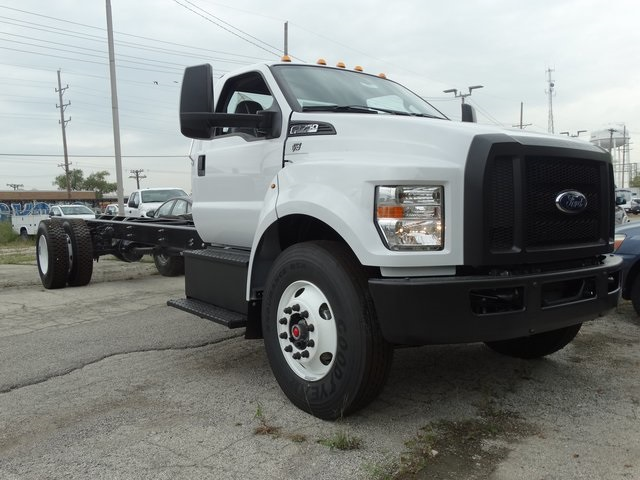 2019 F-750 Regular Cab DRW 4x2,  Cab Chassis #56343 - photo 7