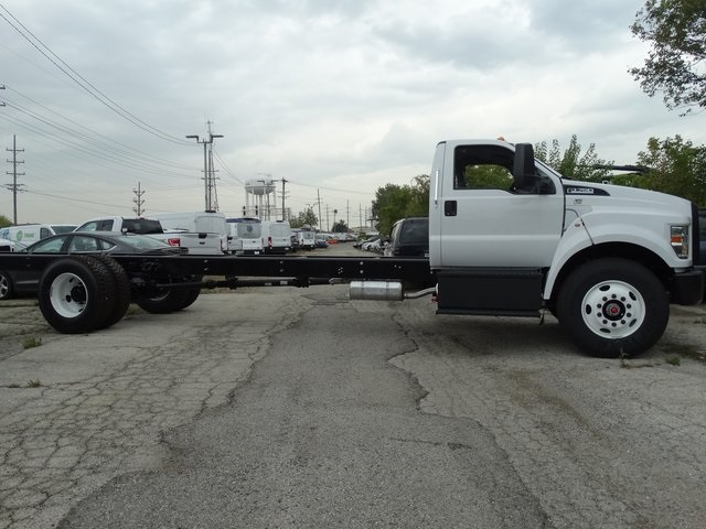 2019 F-750 Regular Cab DRW 4x2,  Cab Chassis #56343 - photo 8