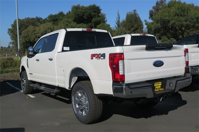 2018 F-250 Crew Cab 4x4, Pickup #F20338 - photo 2