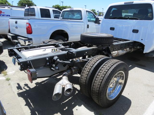 2016 F-550 Regular Cab DRW, Cab Chassis #2167391 - photo 4