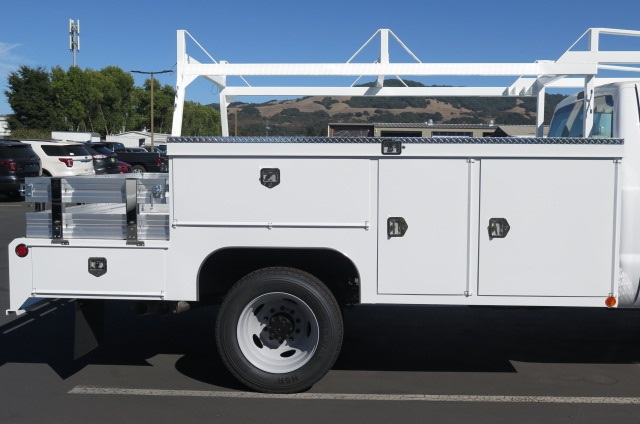 2016 F-450 Regular Cab DRW 4x4, Scelzi Combo Body #F348126 - photo 3