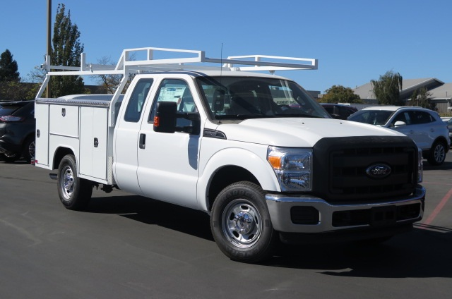 2016 F-250 Super Cab, Service Body #F348141 - photo 4