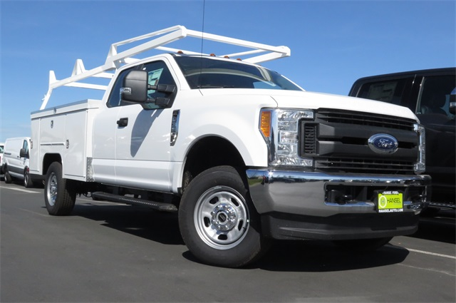 2017 F-350 Super Cab 4x4, Scelzi Service Body #F349489 - photo 3