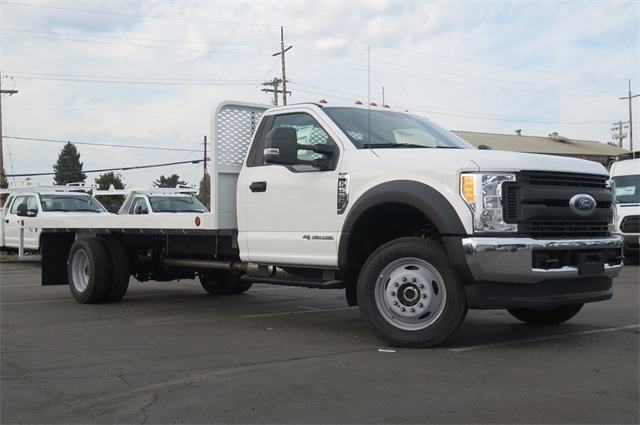 2017 F-550 Regular Cab DRW 4x4, Scelzi Platform Body #F349949 - photo 3