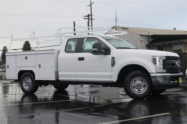 2018 F-250 Super Cab, Service Body #F351193 - photo 3