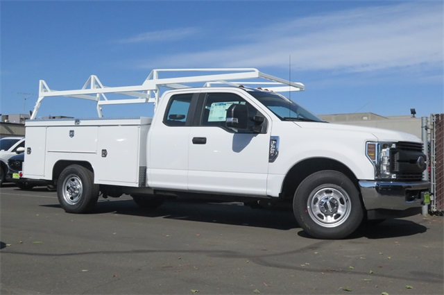 2018 F-350 Super Cab,  Scelzi Service Body #F351817 - photo 3