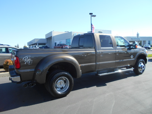 2016 F-350 Crew Cab DRW 4x4, Pickup #49293 - photo 2