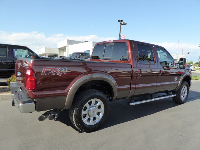 2016 F-250 Crew Cab 4x4, Pickup #49517 - photo 2