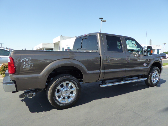2016 F-250 Crew Cab 4x4, Pickup #49588 - photo 2