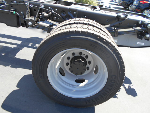 2016 F-550 Crew Cab DRW, Cab Chassis #49884 - photo 10