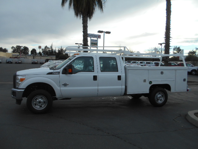 2016 F-350 Crew Cab 4x4, Cab Chassis #49959 - photo 3