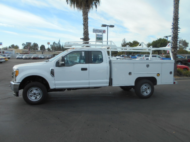 2017 F-350 Super Cab 4x4, Scelzi Service Body #50362 - photo 3