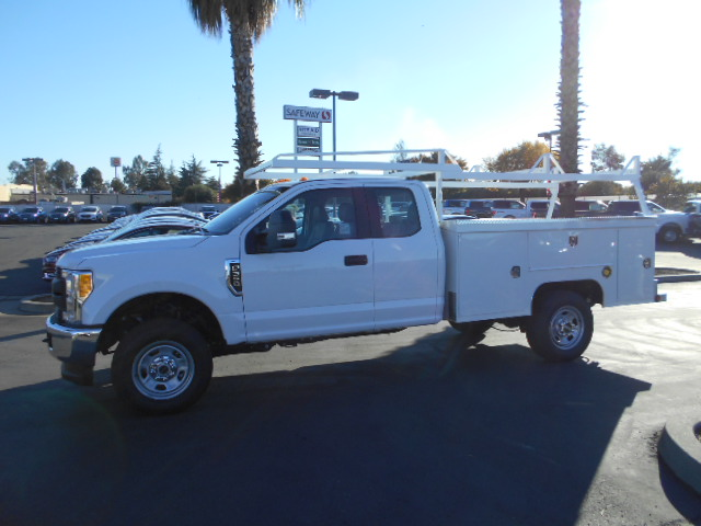 2017 F-350 Super Cab 4x4, Scelzi Service Body #50391 - photo 3