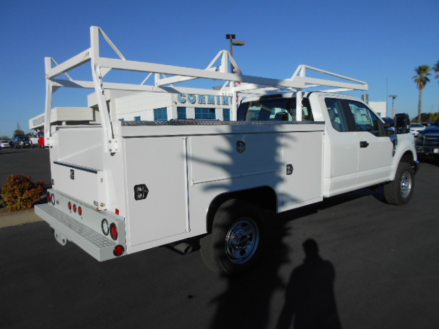 2017 F-350 Super Cab 4x4, Scelzi Service Body #50391 - photo 2