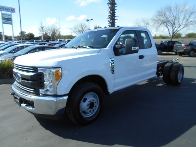 2017 F-350 Super Cab DRW, Harbor TradeMaster Service Body #50427 - photo 12