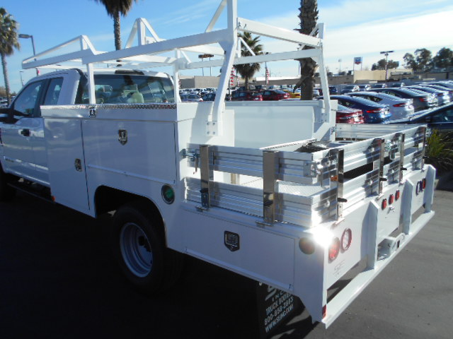 2017 F-350 Super Cab DRW 4x4, Scelzi Combo Body #50672 - photo 9