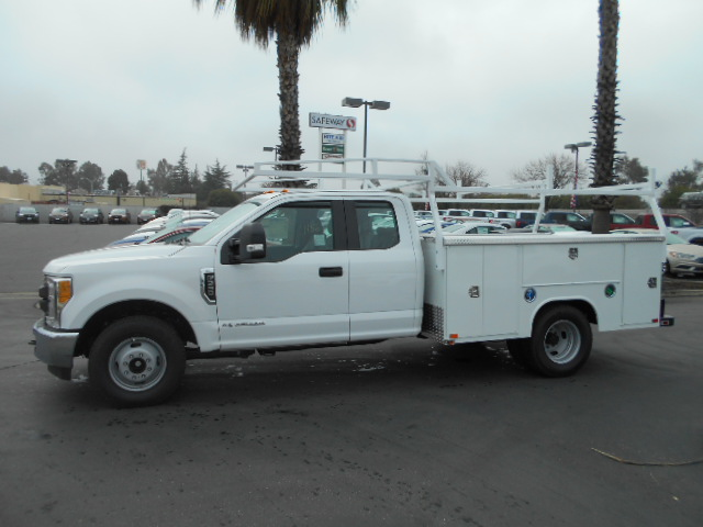 2017 F-350 Super Cab DRW, Harbor Service Body #50706 - photo 3
