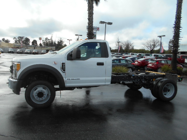 2017 F-450 Regular Cab DRW, Cab Chassis #51000 - photo 3
