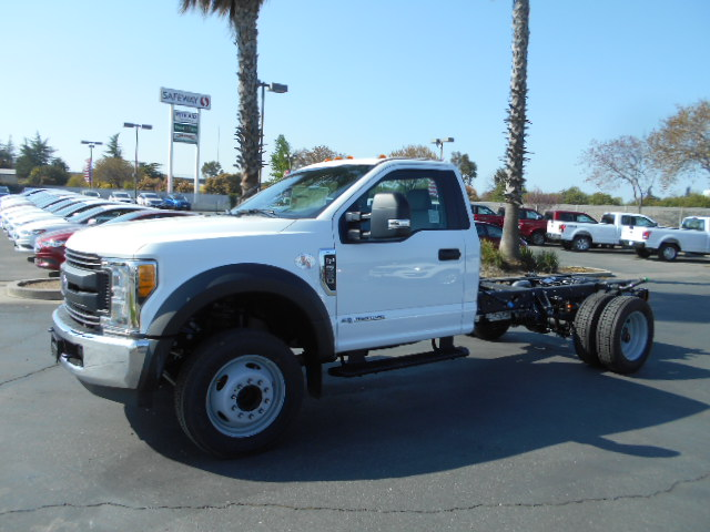 2017 F-550 Regular Cab DRW, Cab Chassis #51215 - photo 3