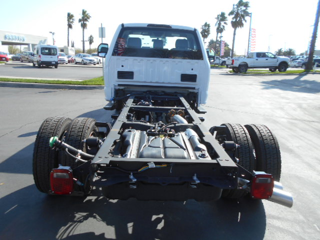 2017 F-550 Regular Cab DRW, Cab Chassis #51215 - photo 7