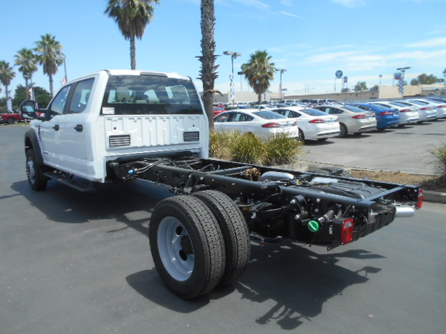 2017 F-550 Crew Cab DRW 4x4, Cab Chassis #51737 - photo 2