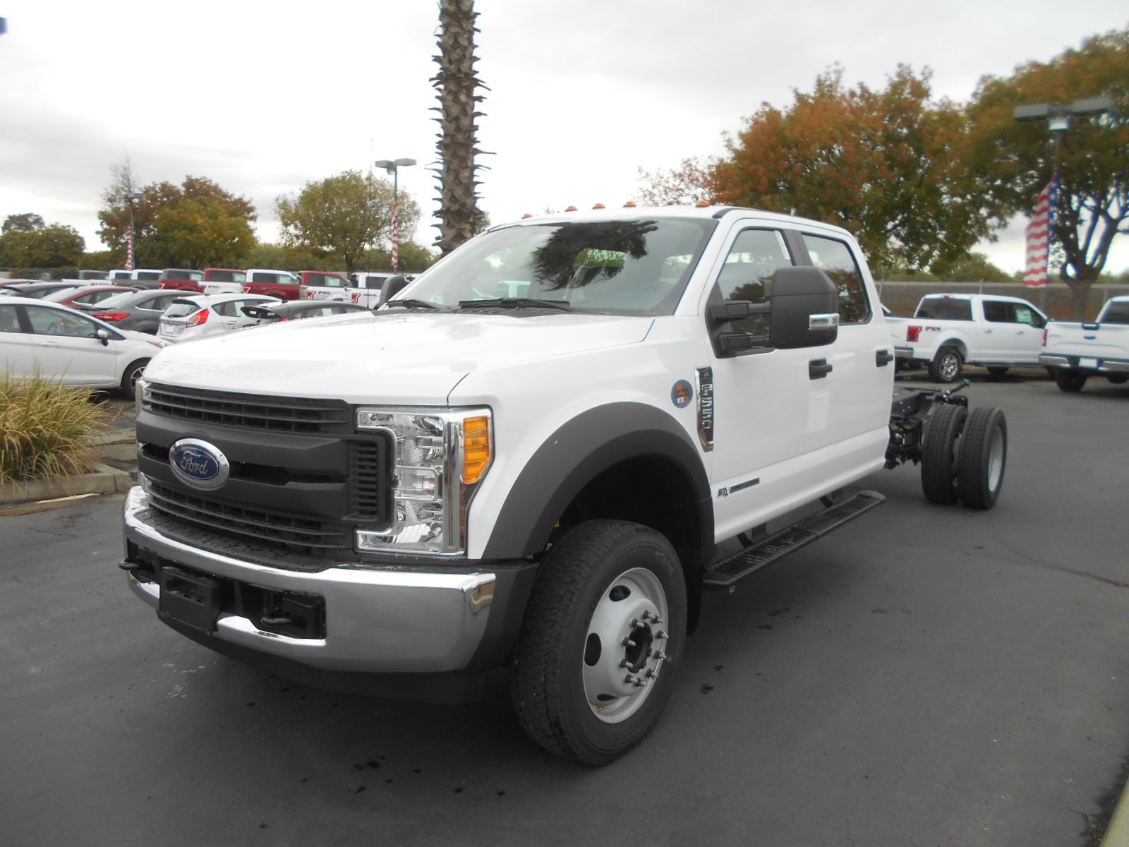 2017 F-550 Crew Cab DRW, Cab Chassis #52374 - photo 3