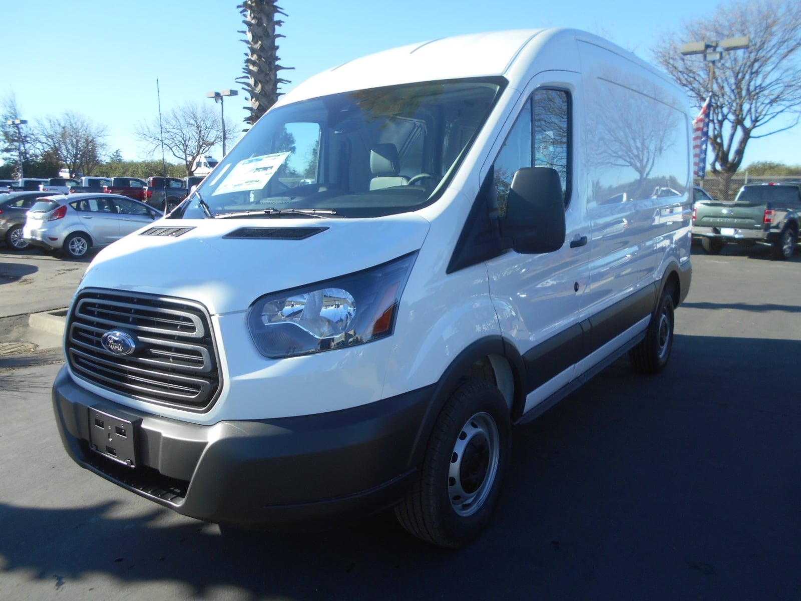 2018 transit 250 med roof 4x2 empty cargo van 52537 photo
