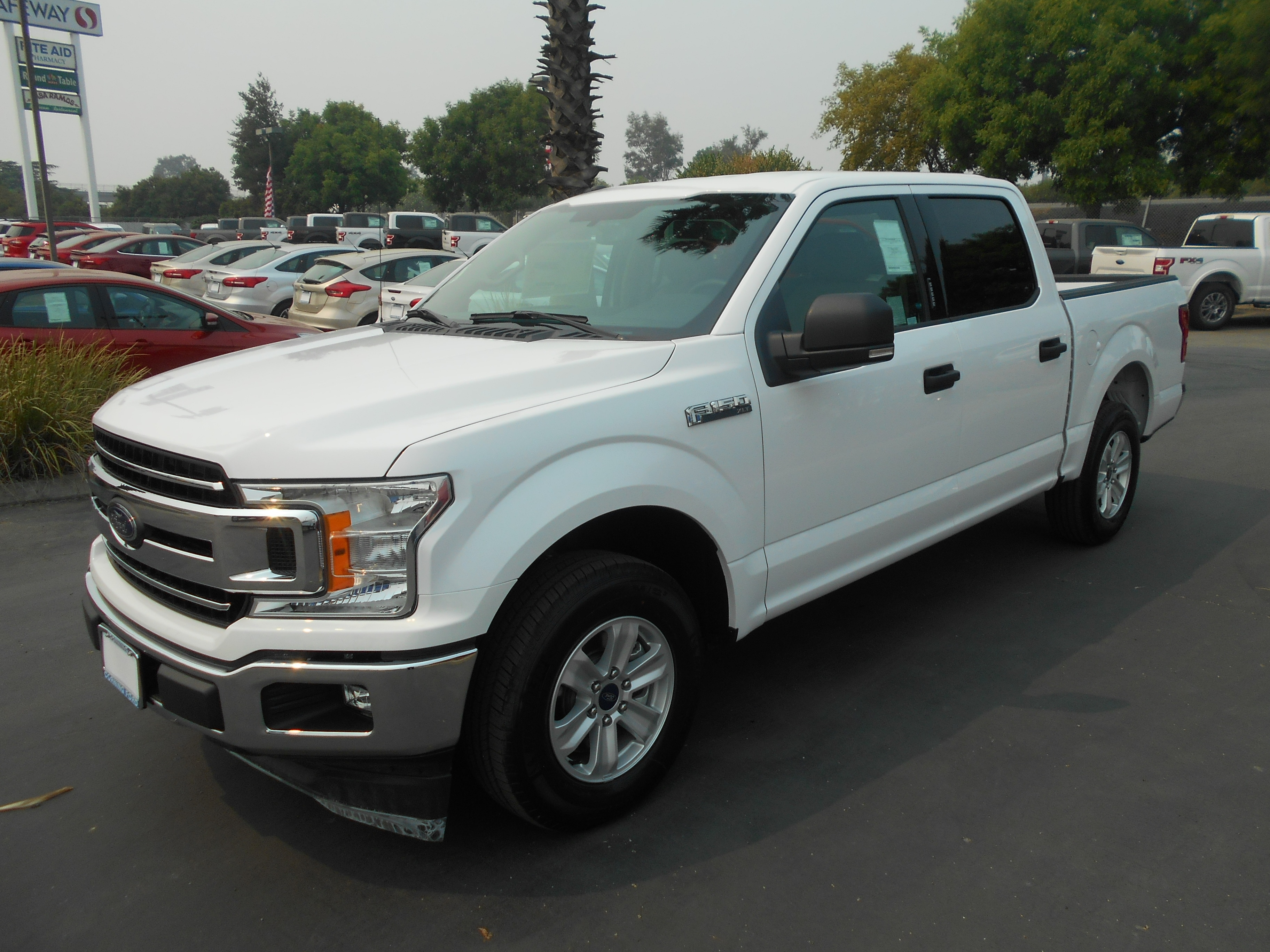 2018 F-150 SuperCrew Cab 4x2,  Pickup #52739 - photo 1