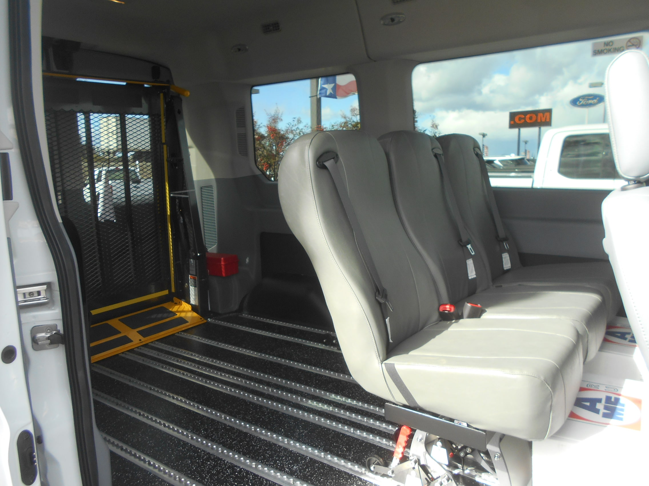 2018 Transit 150 Med Roof 4x2,  Mobility #52836 - photo 11