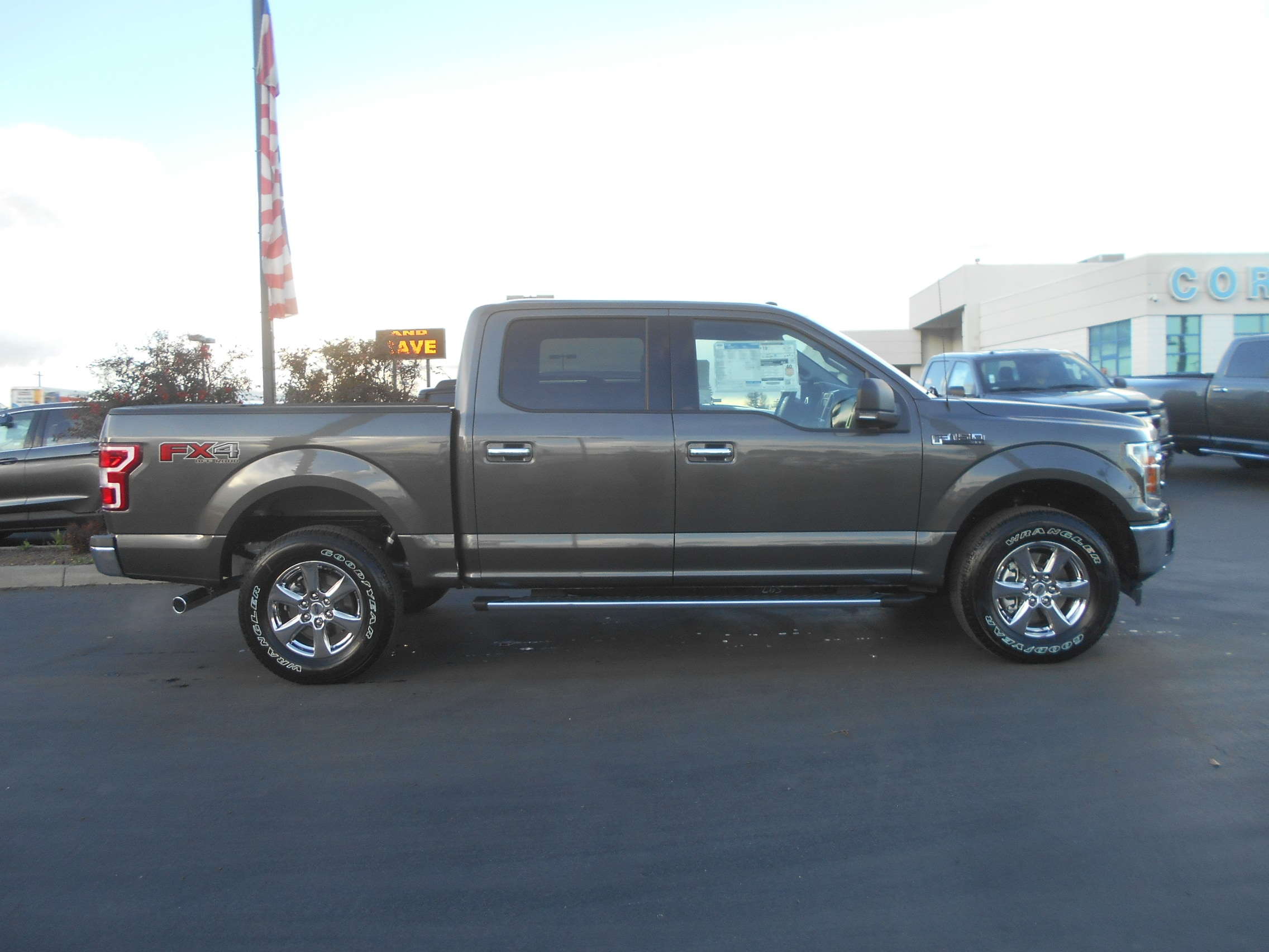 2018 F-150 Crew Cab 4x4, Pickup #53133 - photo 7