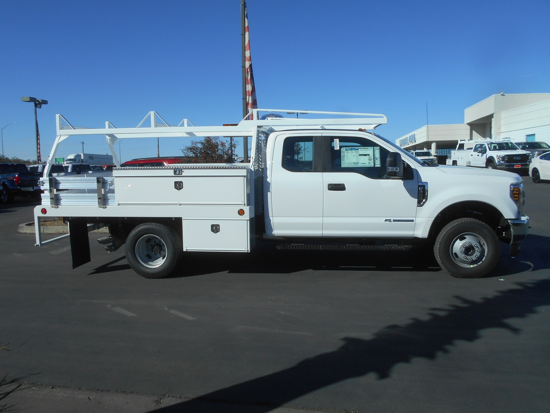 2018 F-350 Super Cab DRW 4x4, Scelzi Contractor Body #53387 - photo 2