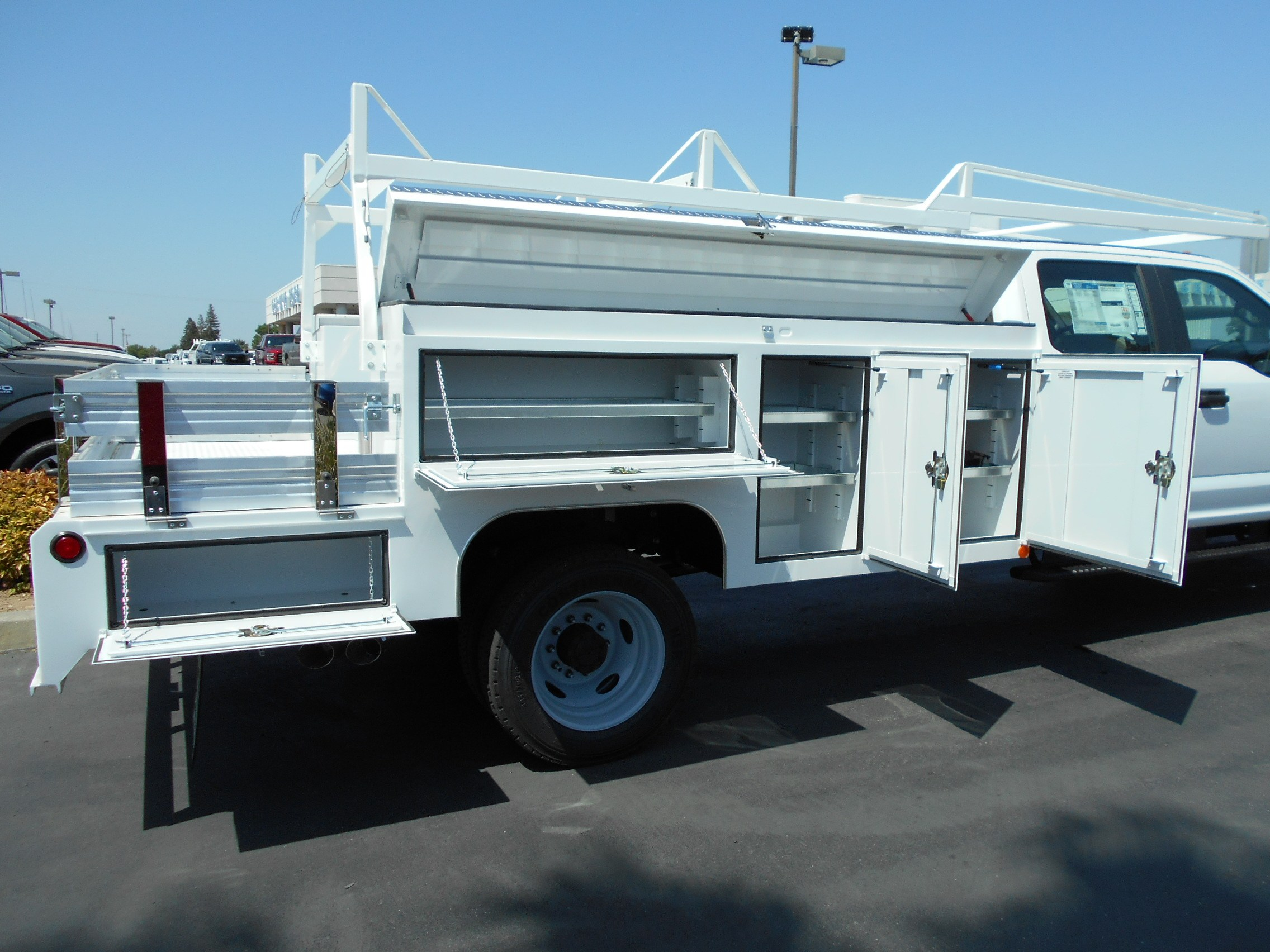 2018 F-450 Crew Cab DRW 4x4,  Scelzi Combo Body #53699 - photo 14