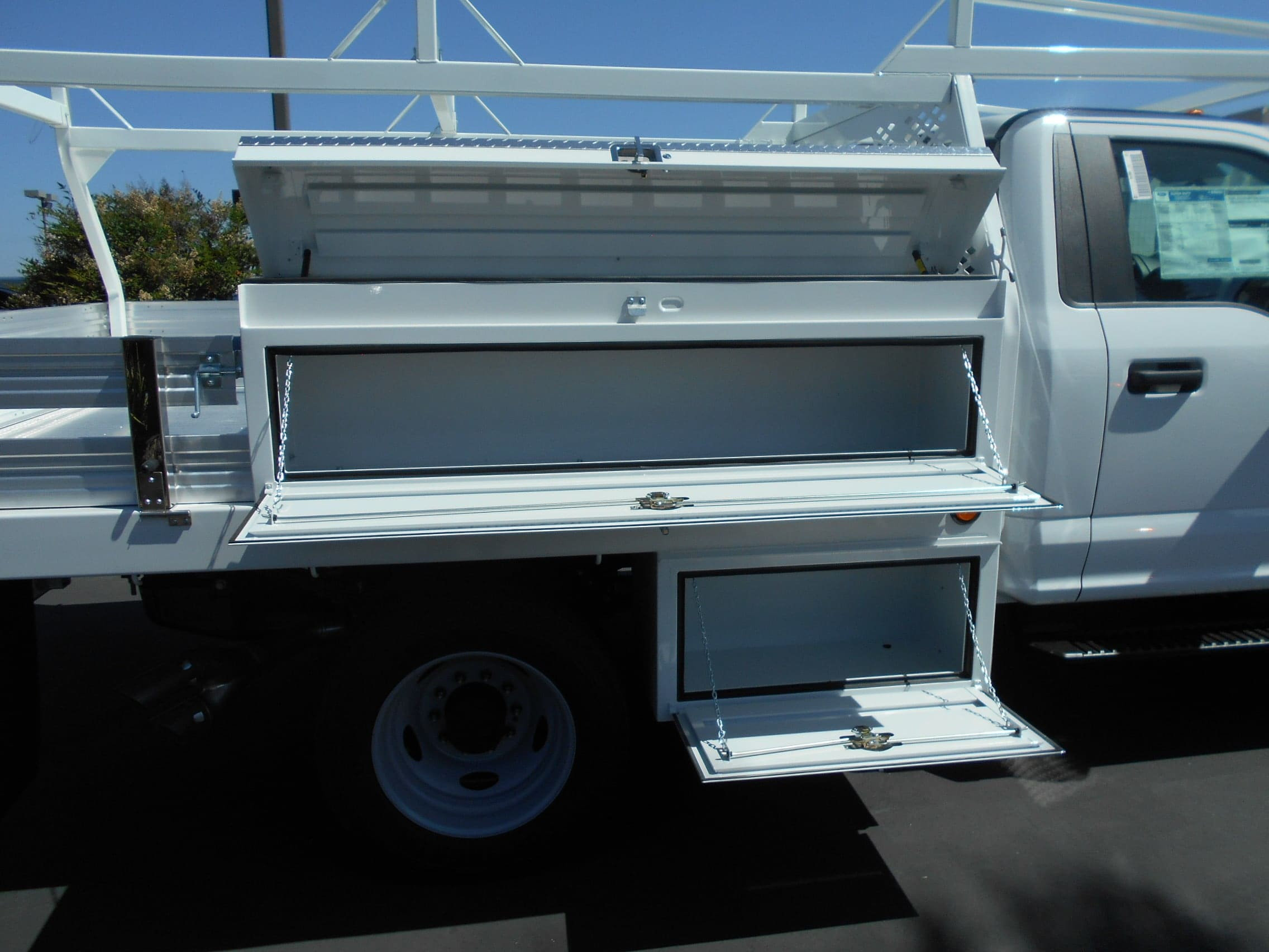 2018 F-550 Regular Cab DRW 4x4,  Scelzi Contractor Body #53825 - photo 13