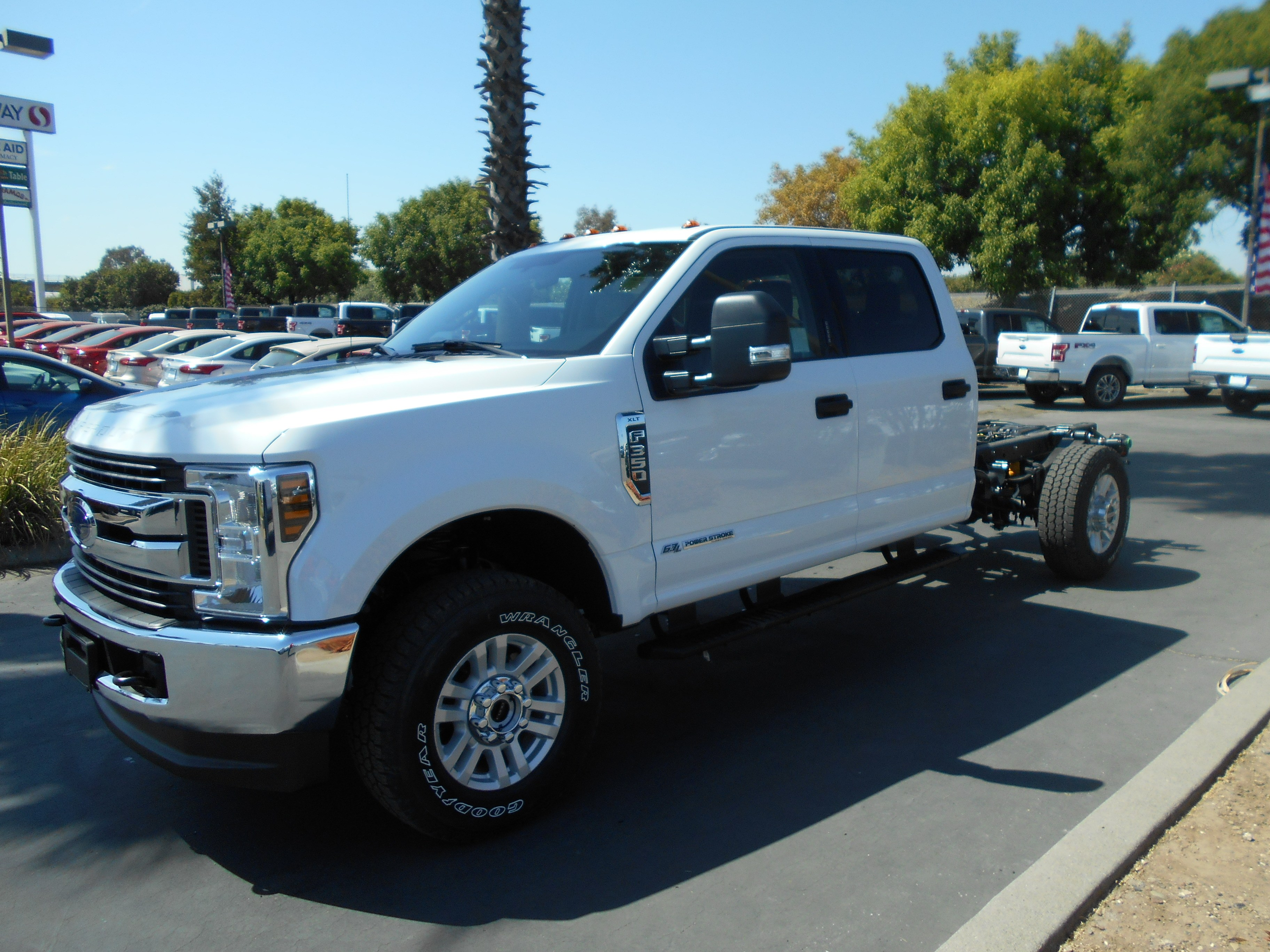 2019 f 350 crew cab 4x4 cab chassis 54086 photo