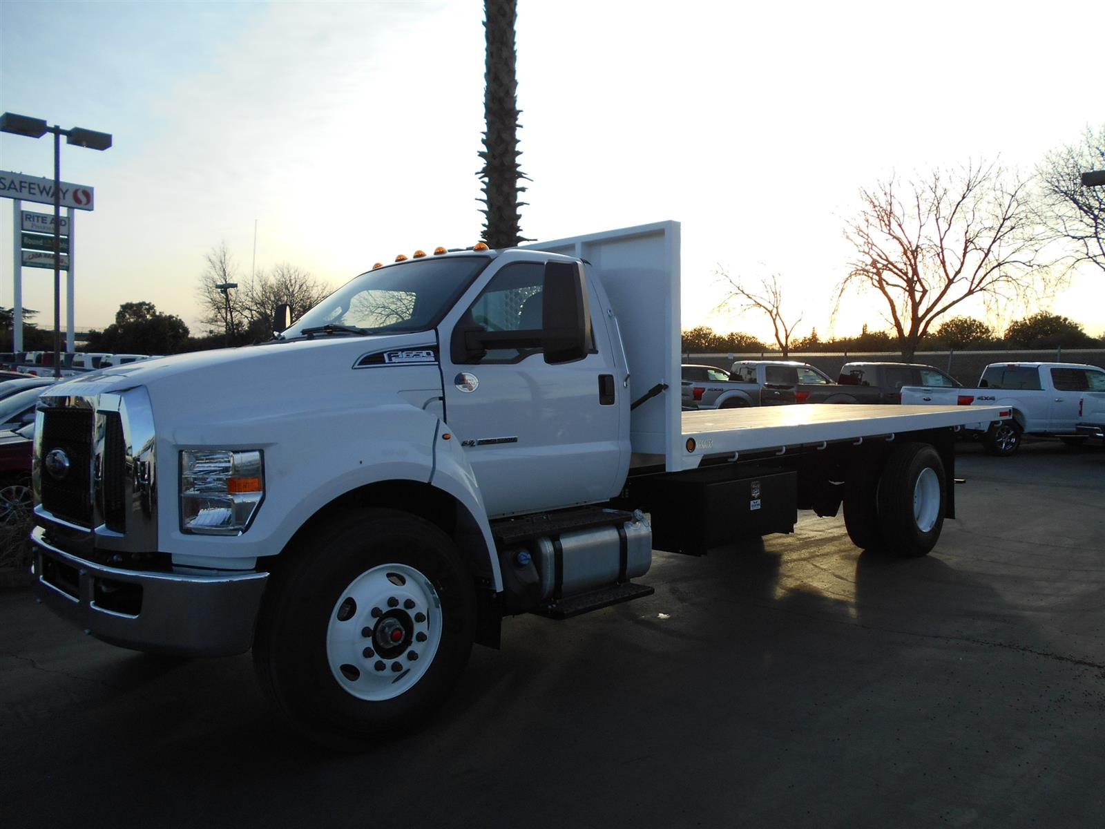 2019 Ford F-650 Regular Cab DRW RWD, Enoven Platform Body #56590 - photo 1