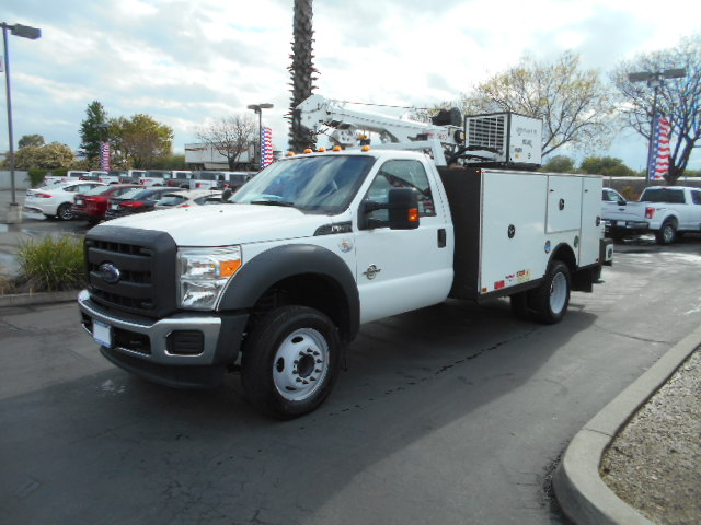 2015 F-550 Regular Cab DRW, Summit Mechanics Body #76024 - photo 3
