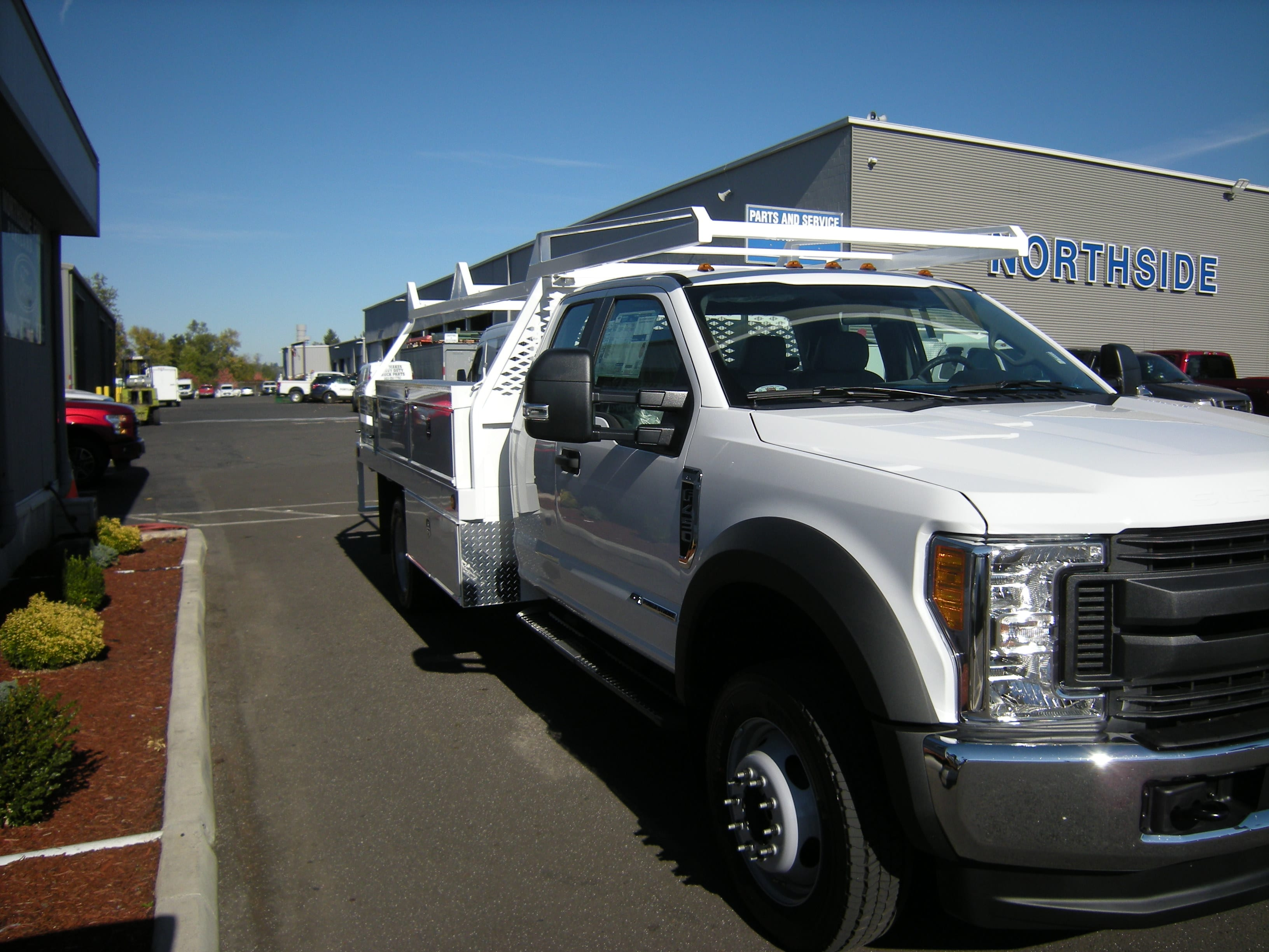 2017 F-450 Super Cab DRW 4x4 Contractor Body #4683 - photo 3