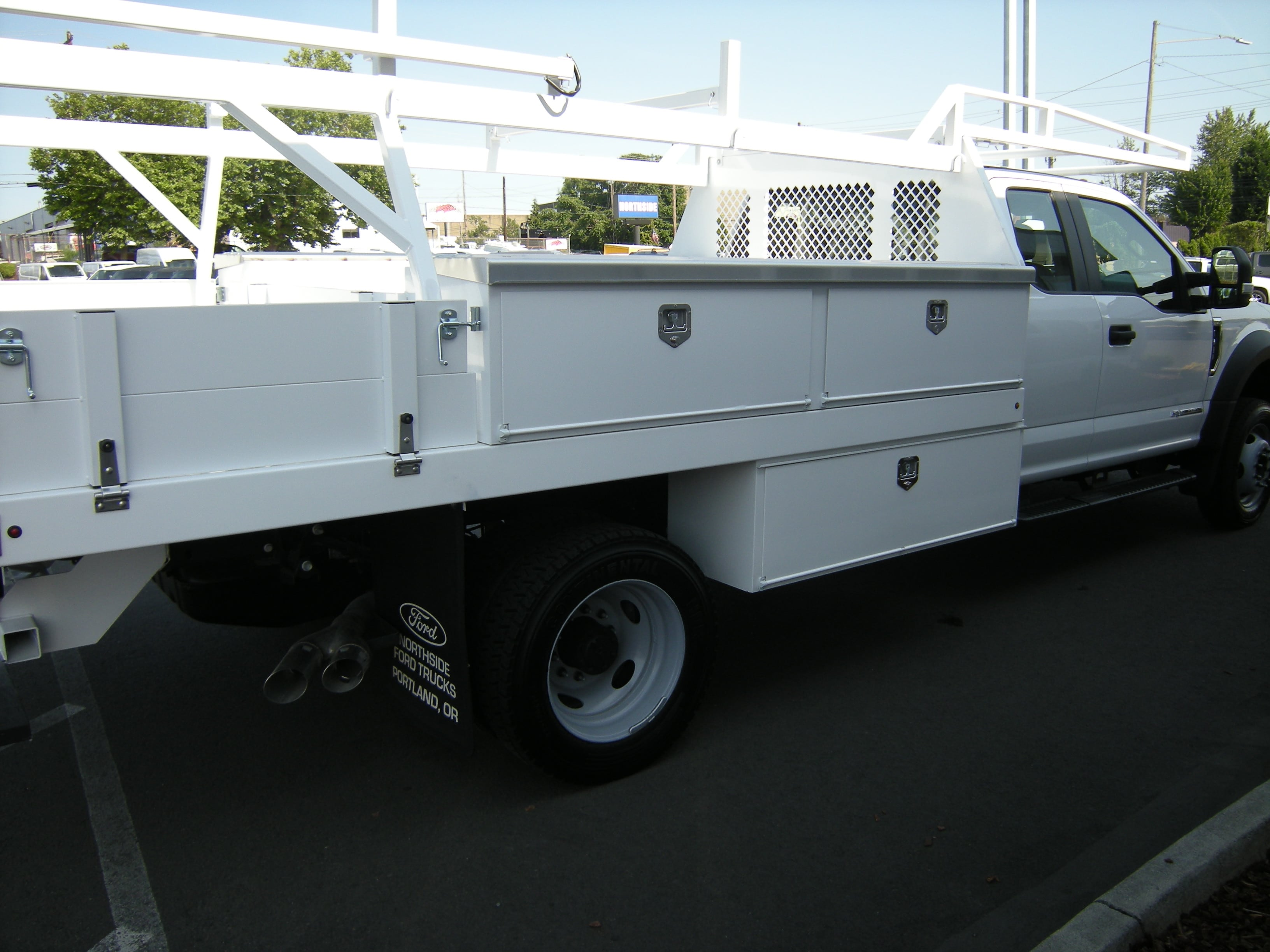 2018 F-450 Super Cab DRW 4x2,  Harbor Contractor Body #4685 - photo 10