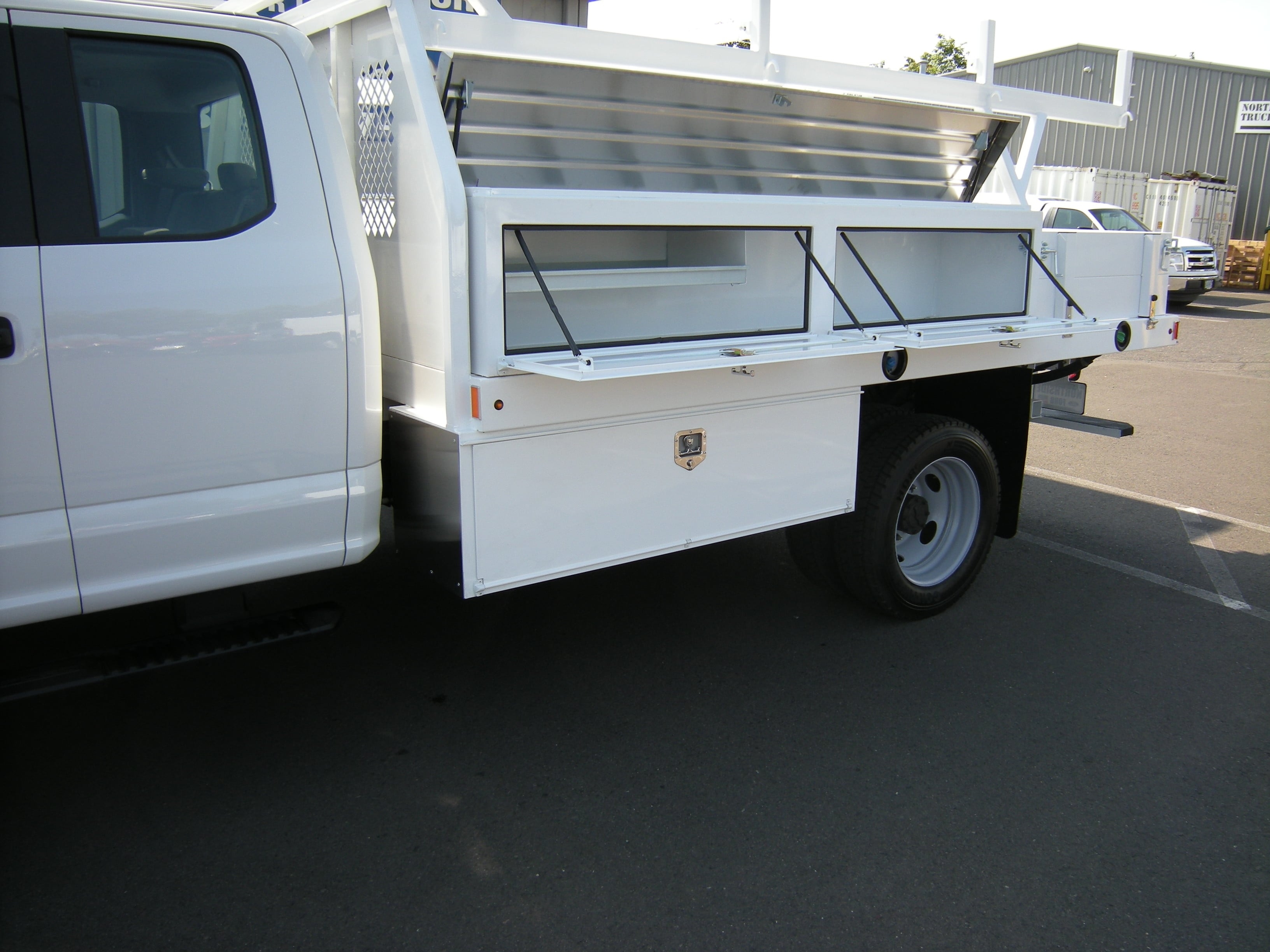 2018 F-450 Super Cab DRW,  Contractor Body #4685 - photo 7