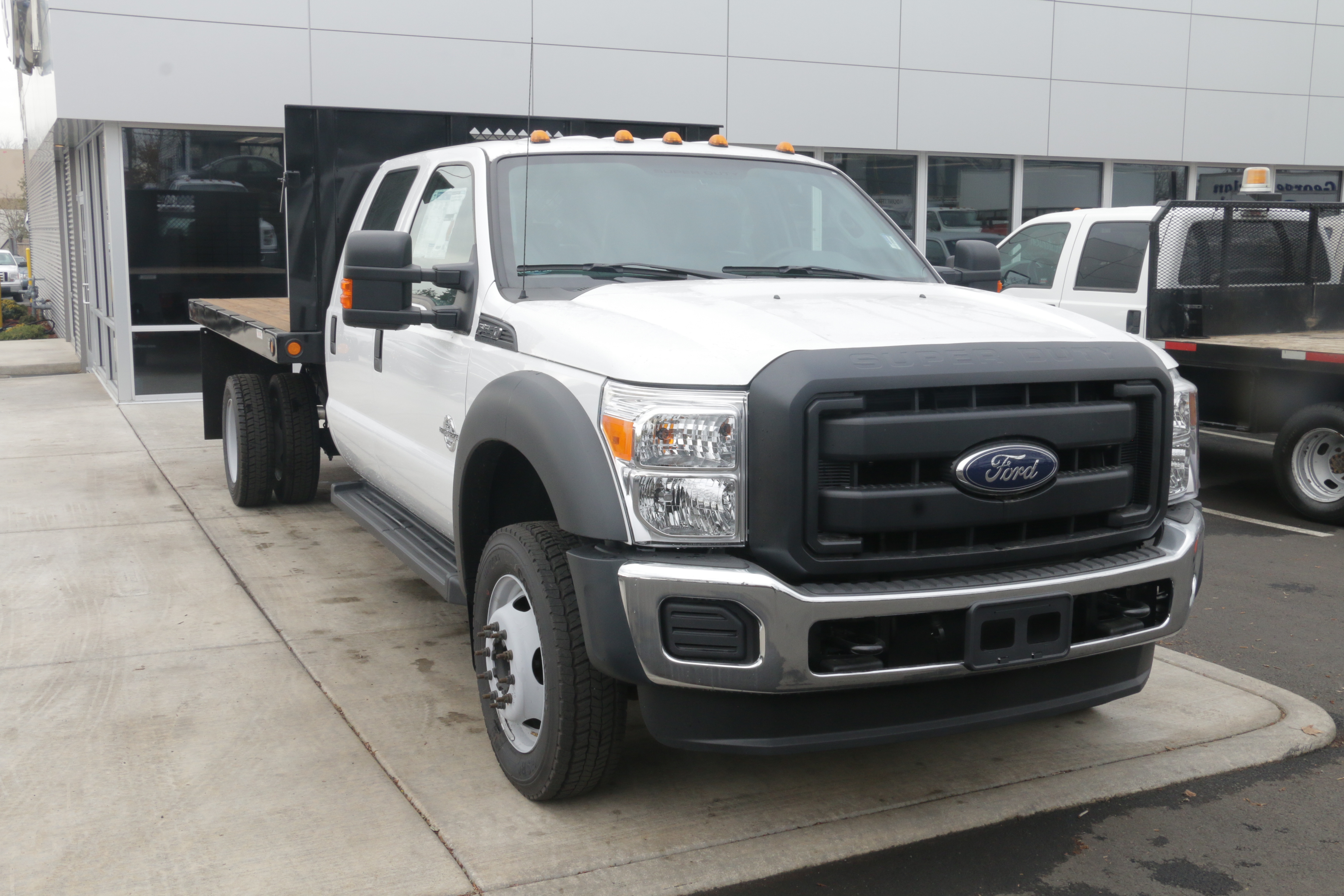 2016 F-550 Crew Cab DRW, Reading Platform Body #5387 - photo 3