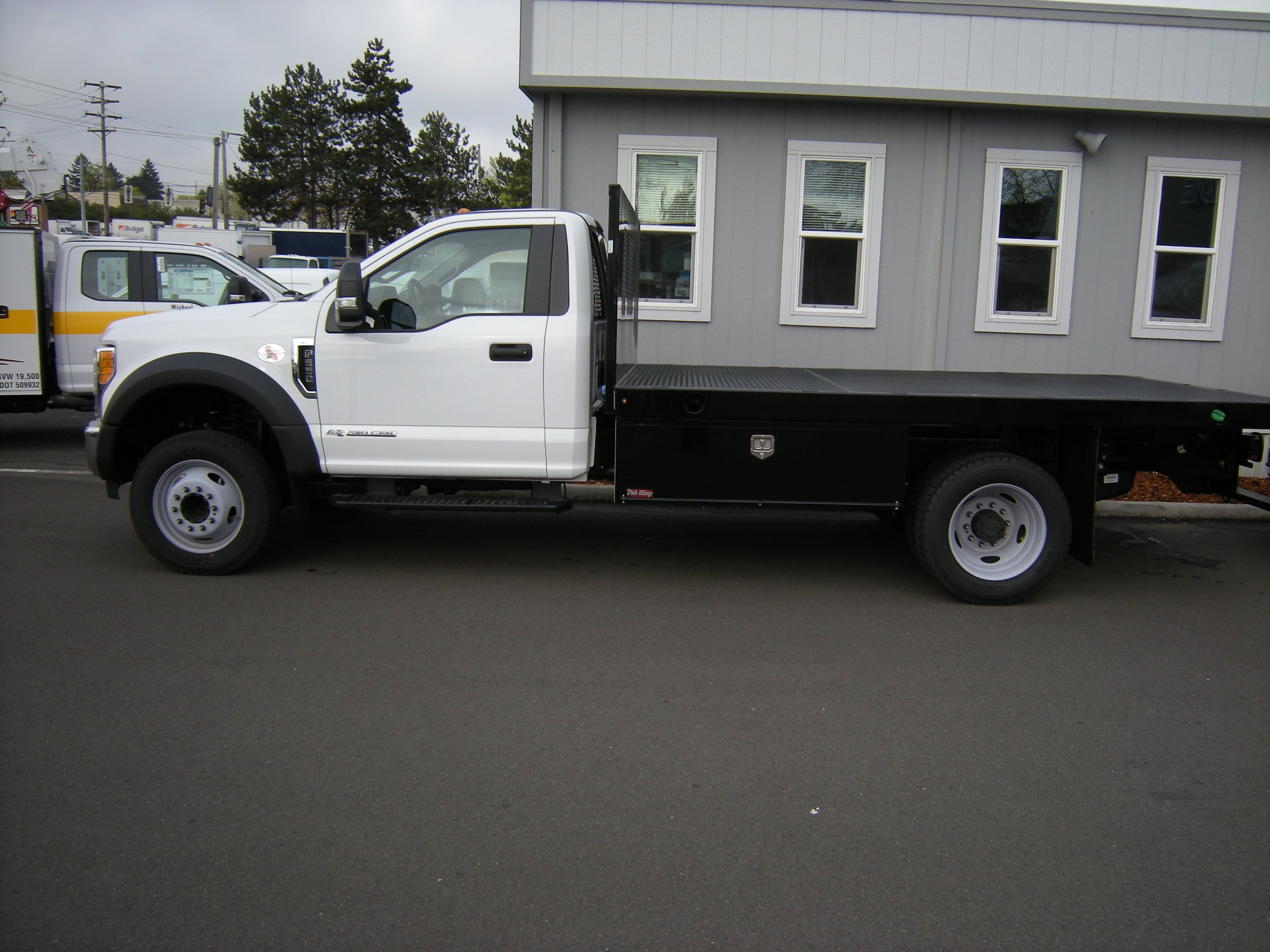 2017 F-550 Regular Cab DRW, Platform Body #5506 - photo 3