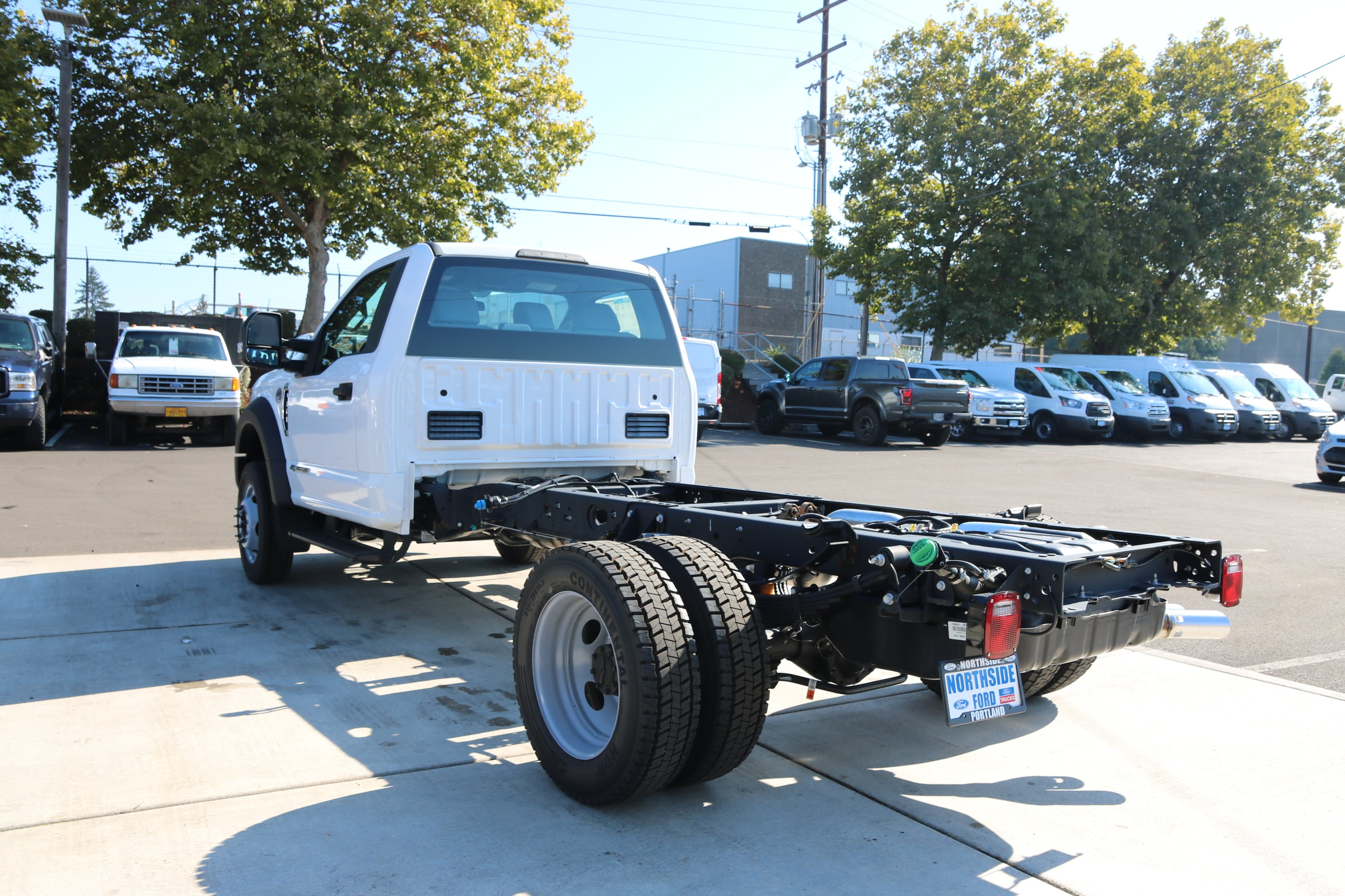2017 F-550 Regular Cab DRW 4x4 Cab Chassis #5527 - photo 2