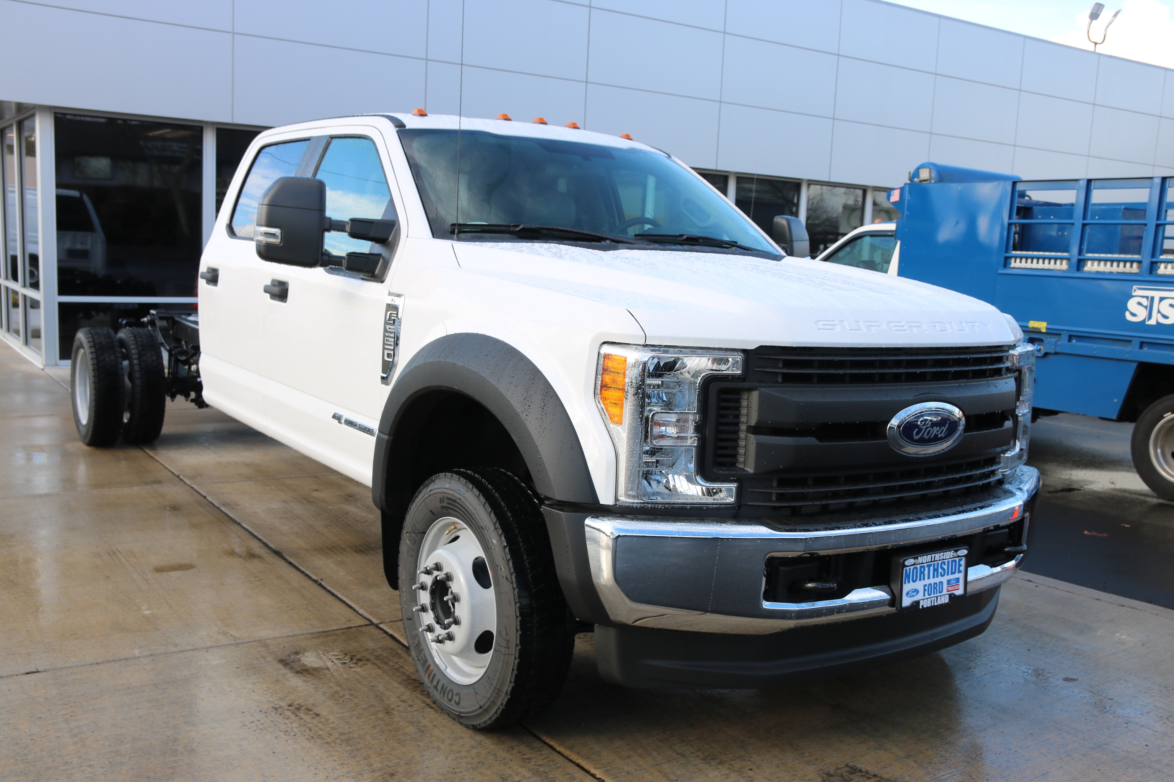 2017 F-550 Crew Cab DRW 4x4 Cab Chassis #5572 - photo 3