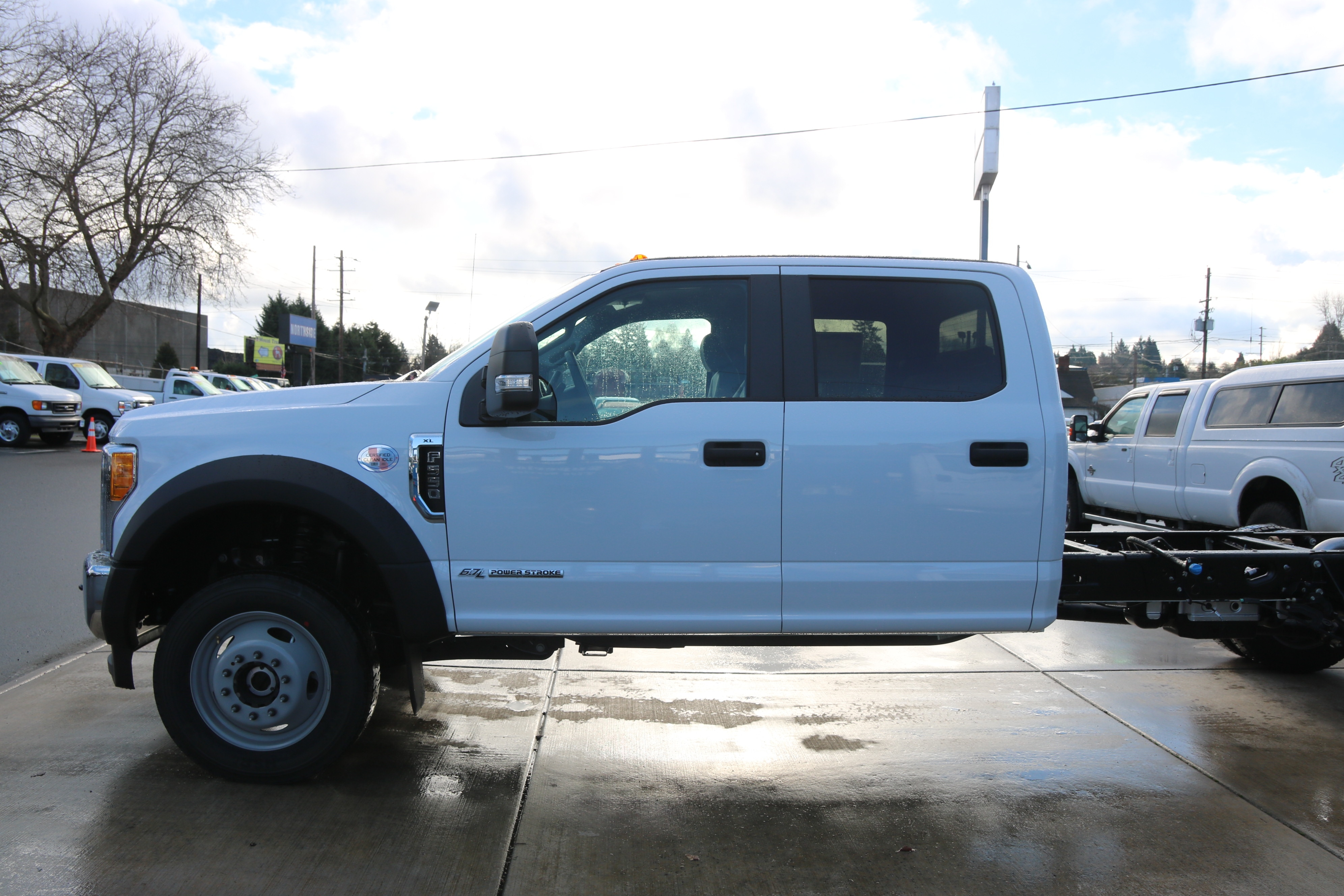 2017 F-550 Crew Cab DRW 4x4 Cab Chassis #5572 - photo 5