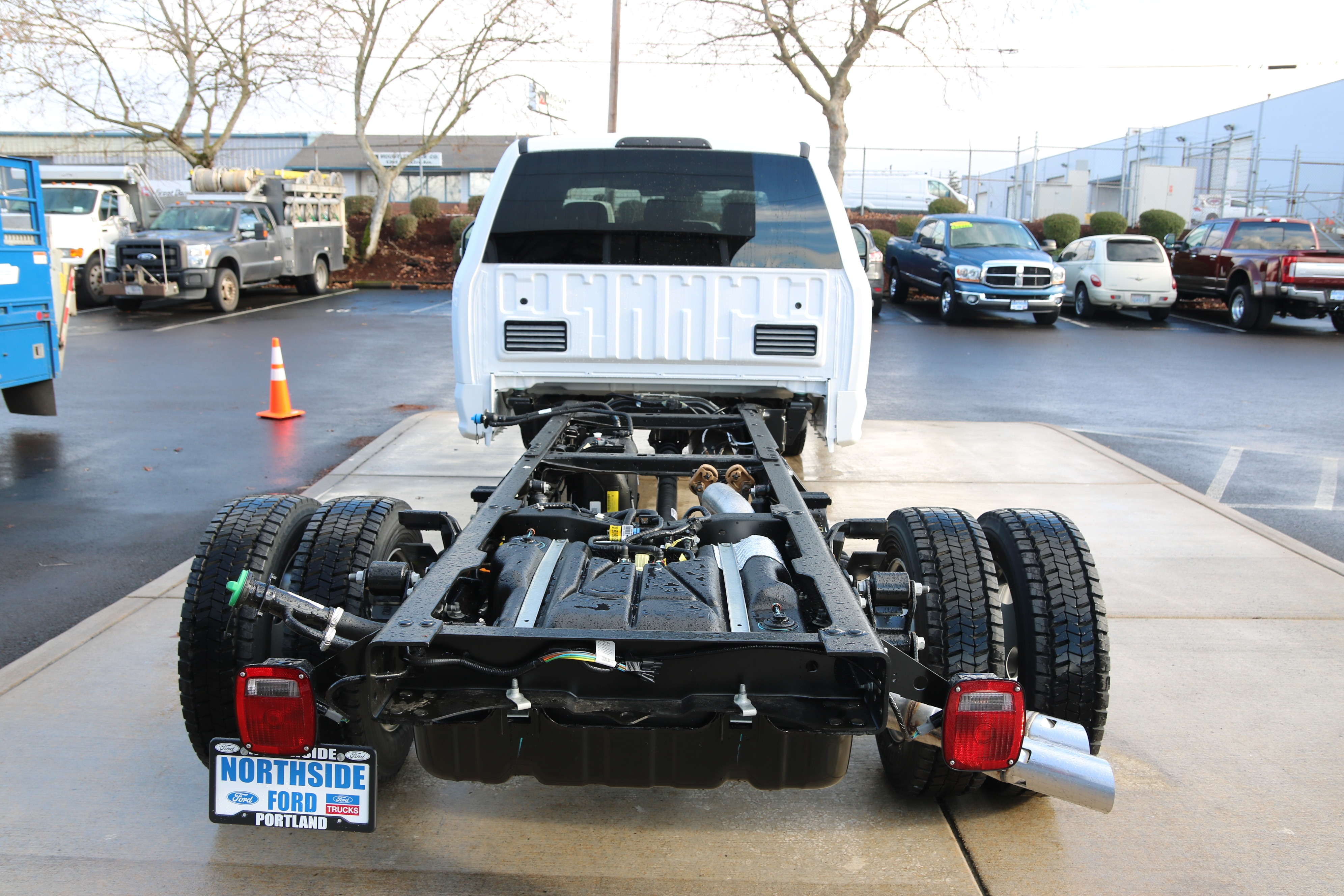 2017 F-550 Crew Cab DRW 4x4 Cab Chassis #5572 - photo 6