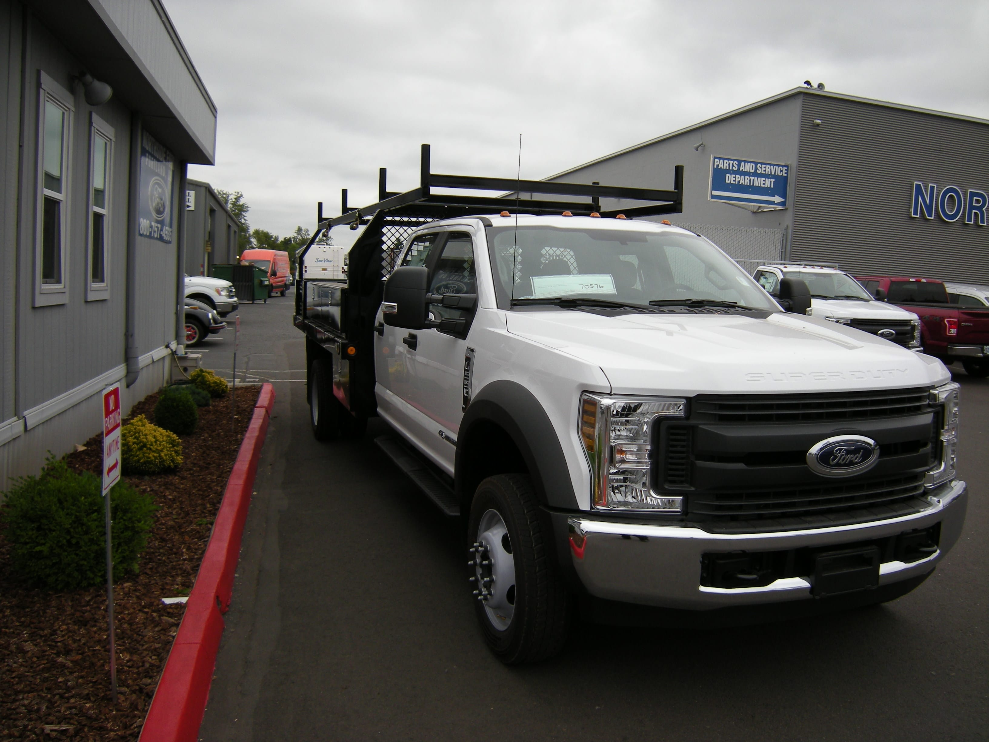 2018 F-550 Crew Cab DRW 4x2,  Reading Contractor Body #5719 - photo 4