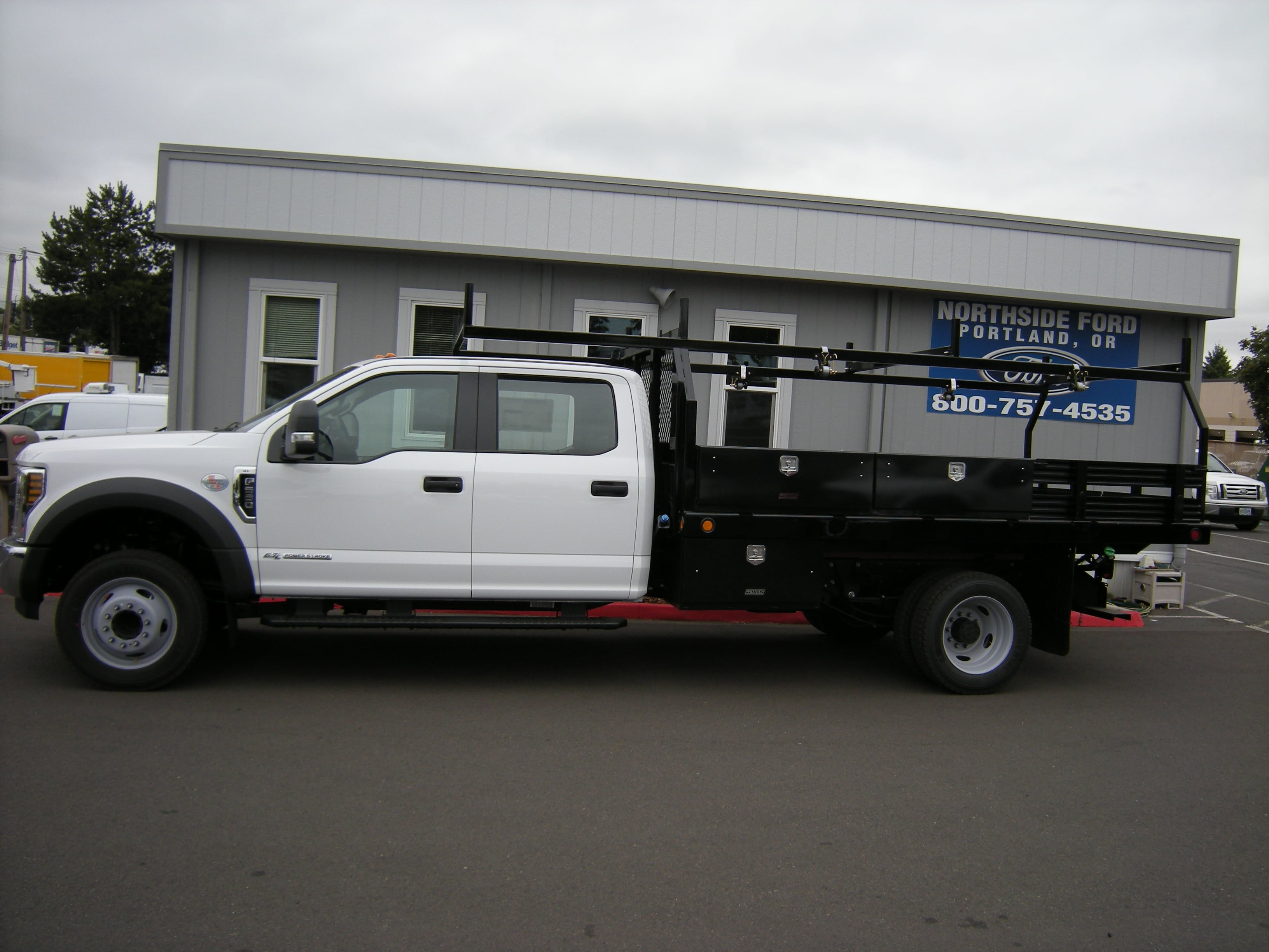2018 F-550 Crew Cab DRW 4x2,  Reading Contractor Body #5719 - photo 5